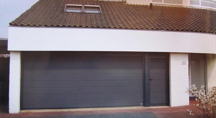Garagentor mit nebentür  Garagentore, Industrietore, Sektionaltore, Antriebe von Door-Line-Beta